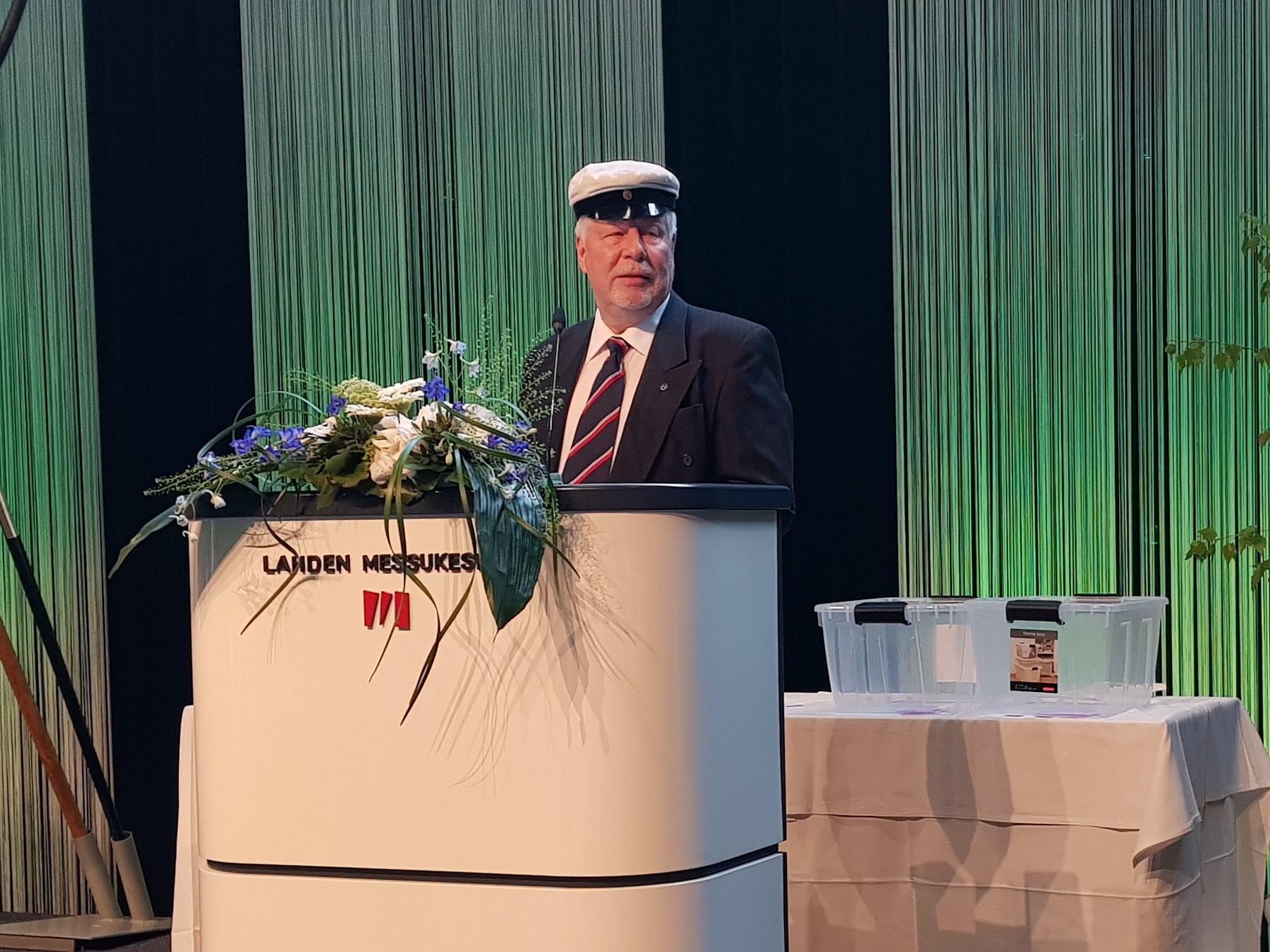 55 Ylioppilasjuhla Eero Ravantti puhumassa